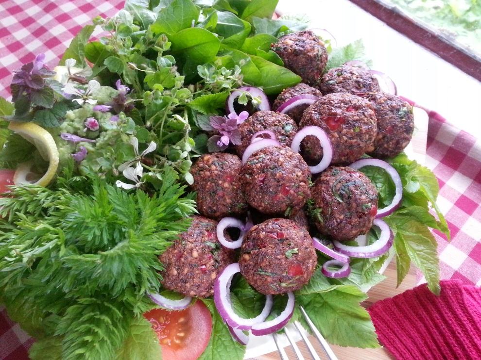 Roh-vegane Walnuss-Frikadellen