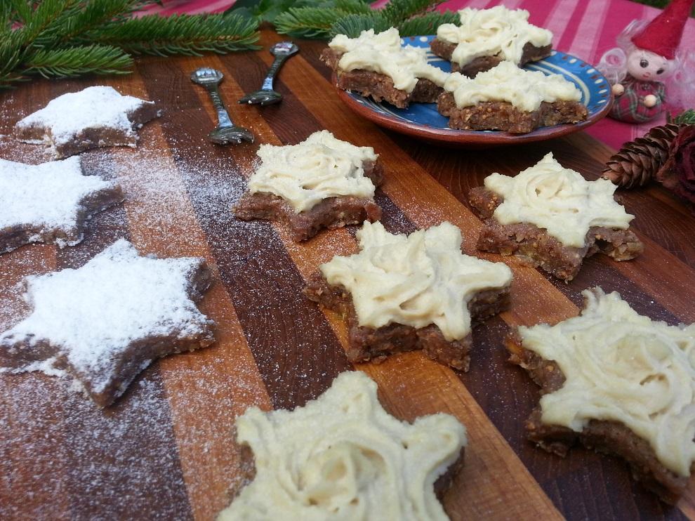 """Für Menschen mit Laktoseallergie oder bei Glutenallergie ist Weihnachten oft keine ganz einfache Zeit. Aber die Rezepte in meiner Serie """"Rohkost an Weihnachten"""" hier auf Grün-Roh-Bunt sind laktosefrei (weil sie ja roh & vegan sind) und glutenfrei."""