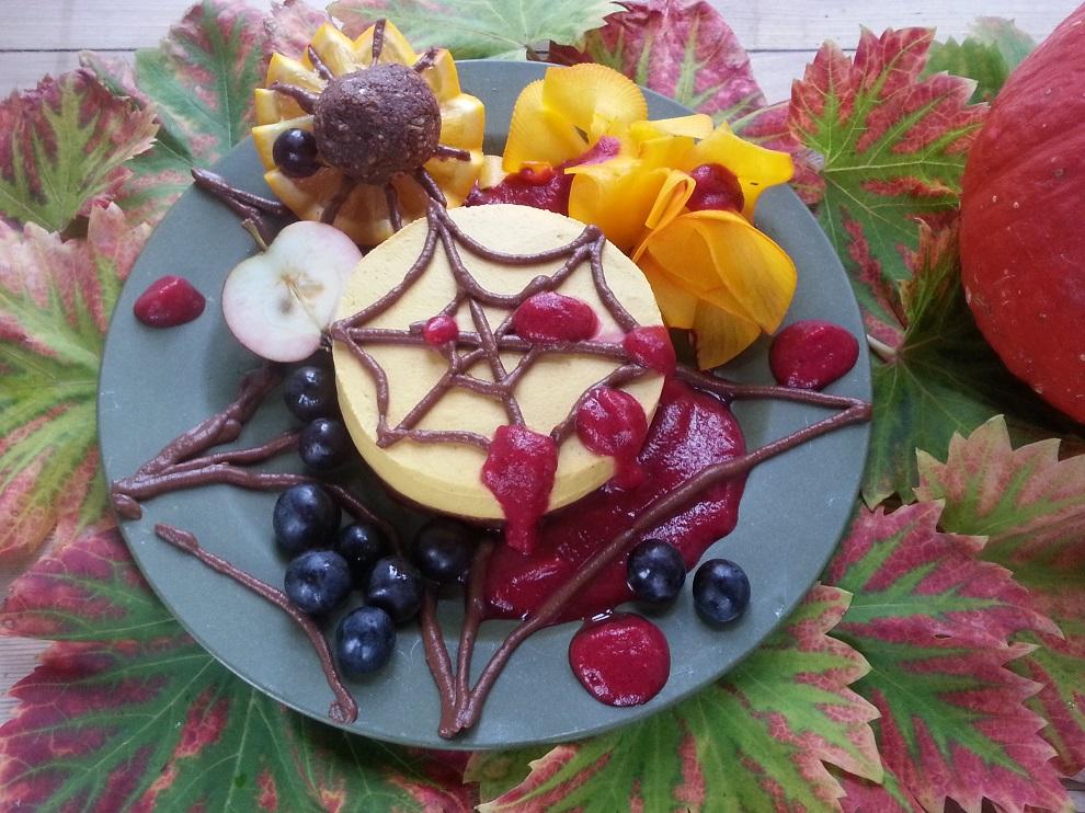 Halloween-Torte mit Kürbis – Achtung Blut!