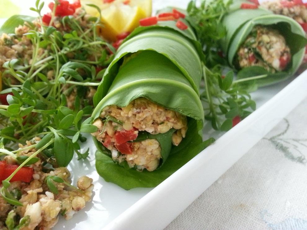 Bärlauch-Wraps mit Buchweizen-Kräuter-Salat