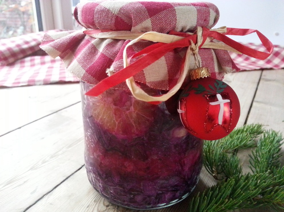 Fermentierter Weihnachts-Rotkohl mit Orangen