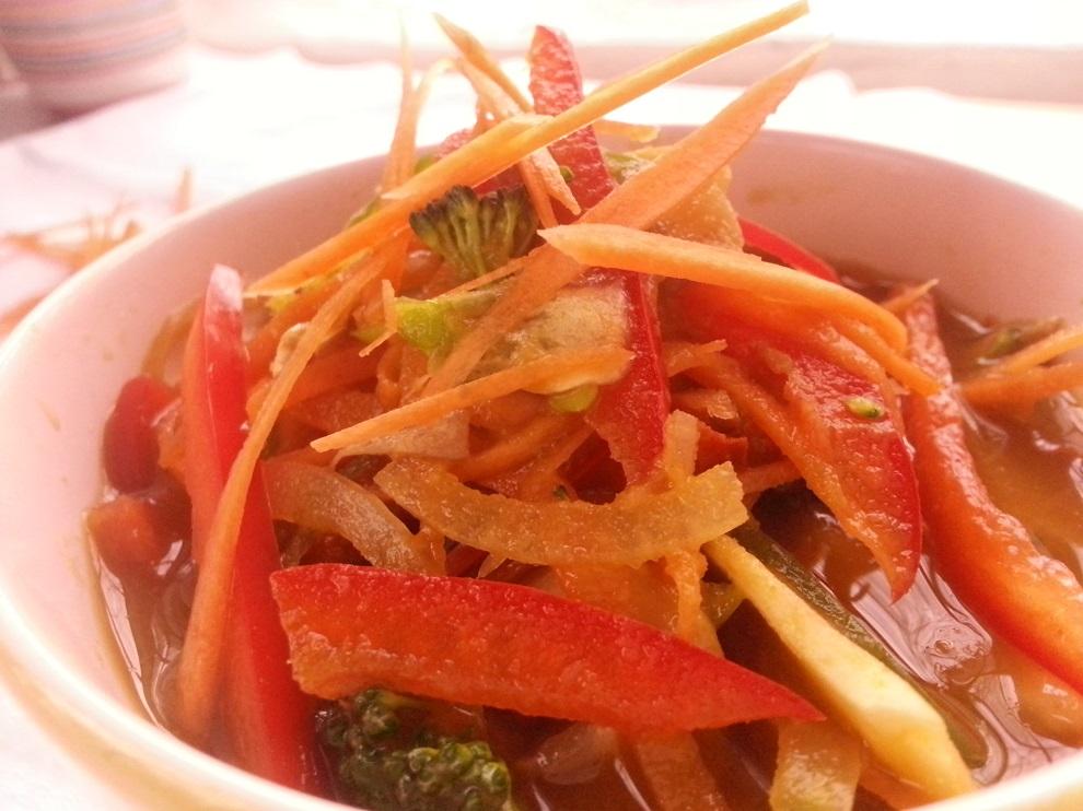 Rohkost-Misosuppe befriedigt Gelüste nach Umami-Geschmack
