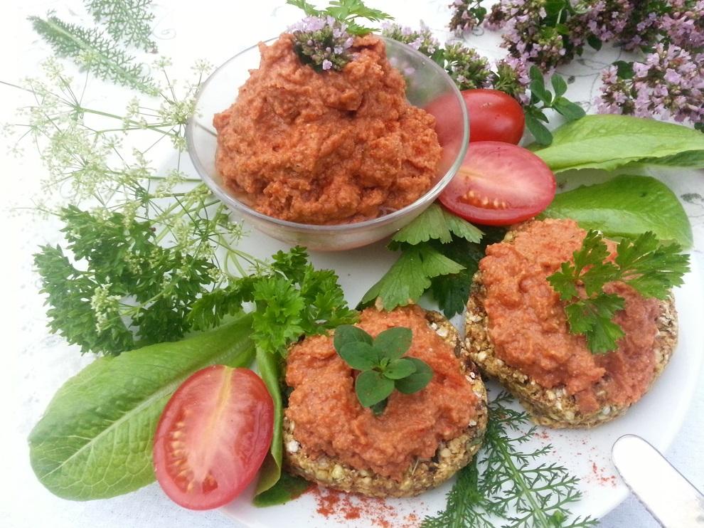 Roh-veganer Tomatenaufstrich