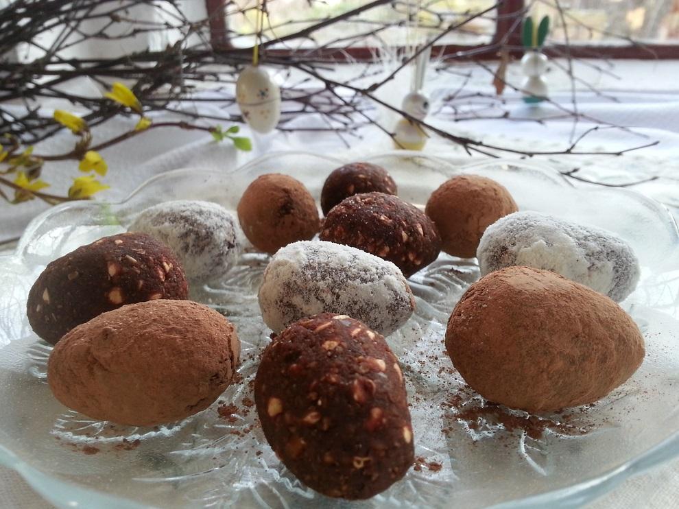 Rohköstliche Ostern ... Link zu Anleitung roh-vegane Ostereier formen