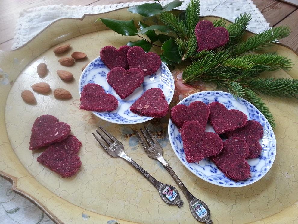 Rohköstliche Rote Herzchen für die Adventszeit