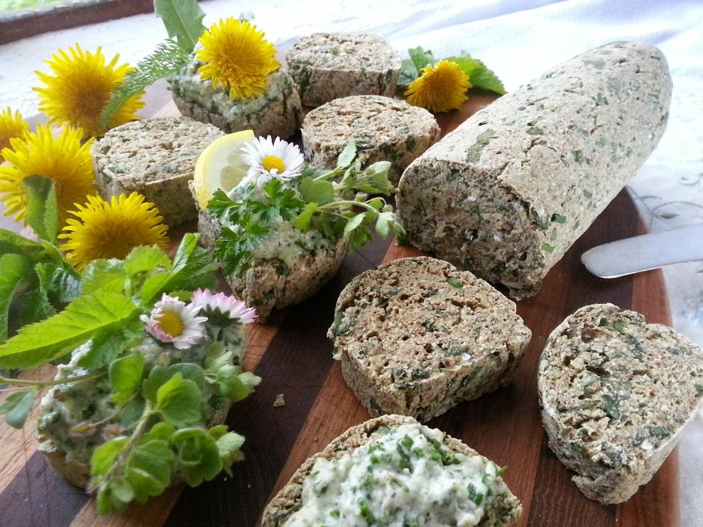 Roh-veganes Brot laktosefrei glutenfrei Wildkräuter