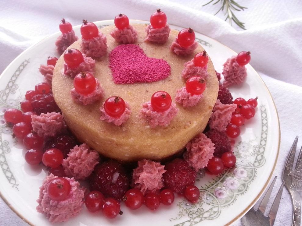 Rohkost Torte Mit Herzchen Zum Valentinstag Laktosefrei