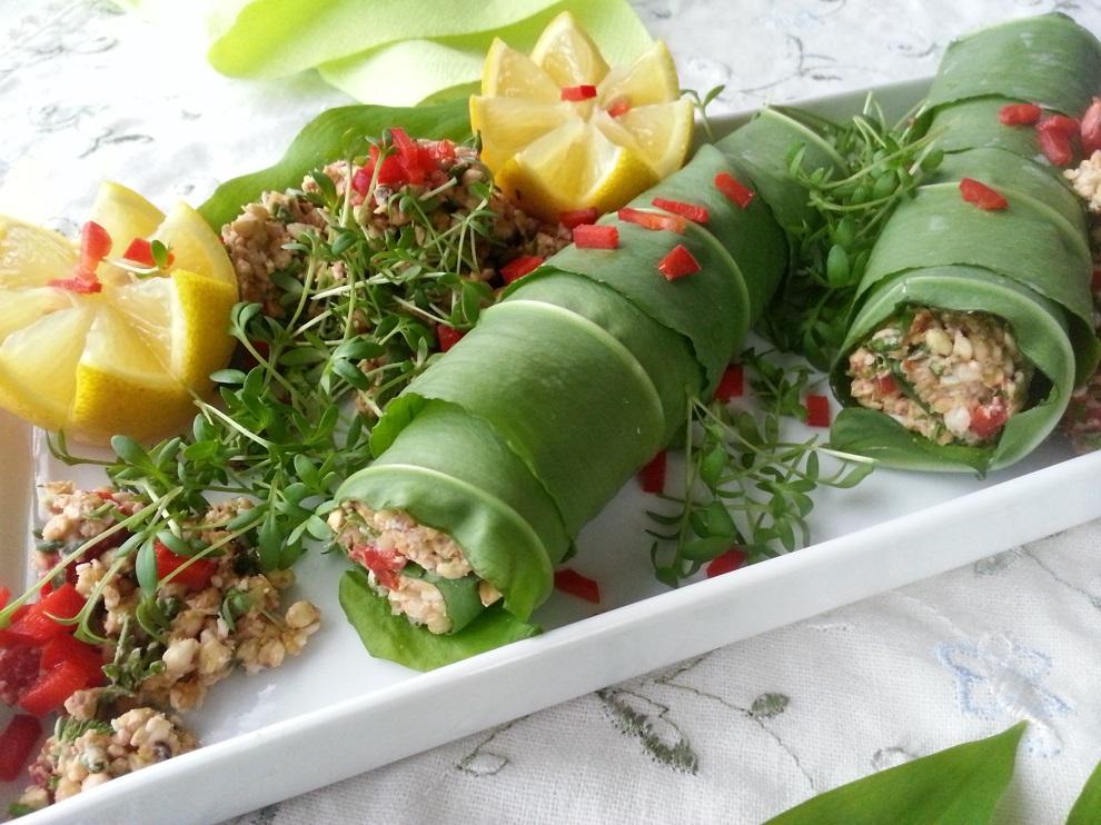 rohköstlich Bärlauch-Wraps frische Bärlauchblätter